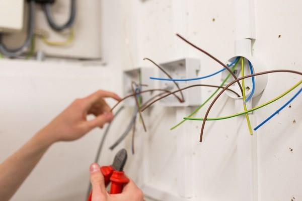 Schimbarea instalatiilor electrice 3 - Schimbarea instalatiilor electrice in Bucuresti - Total Design