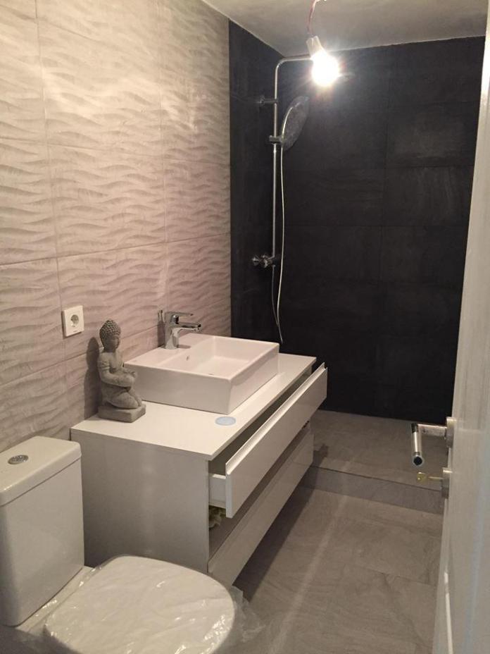 design placut baie bloc - Renovari apartamente 2019 - Solutii pentru apartamente 2, 3 sau 4 camere