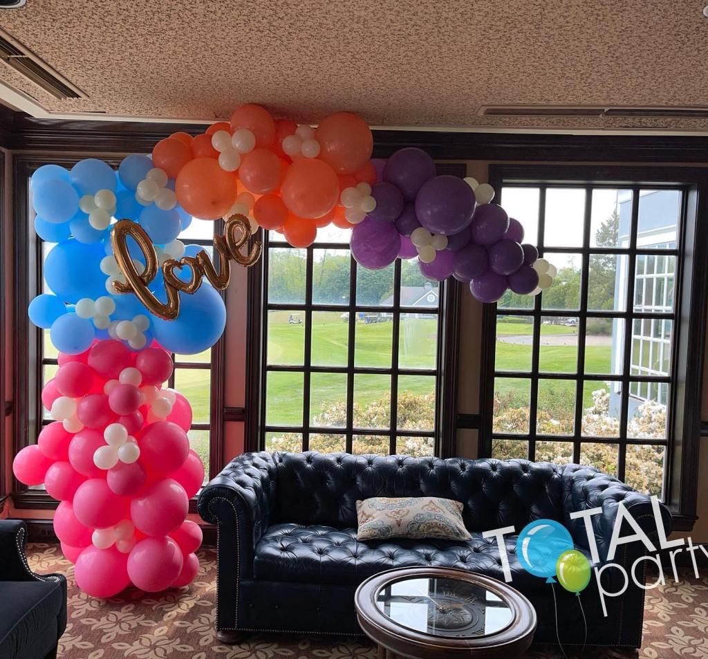 Bridal shower in pretty colors! #forsgatecountryclub #balloonsmonroe #balloonseastbrunswick #bridalshowerballoons #rosemattebluepeach #balloonsbytotalparty