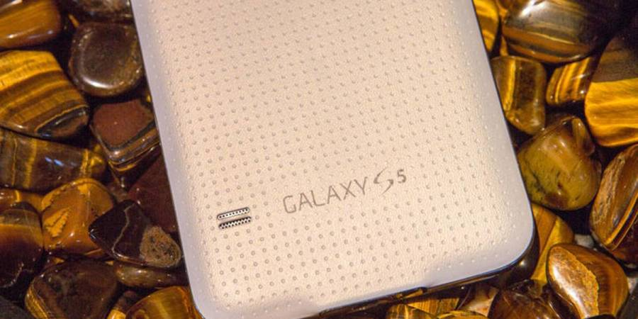 Samsung Galaxy S5 review : now with Android 5.0 Lollipop
