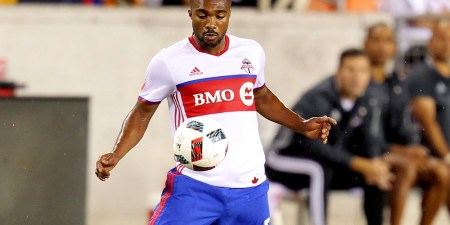 Toronto FC Re-signs Ashtone Morgan