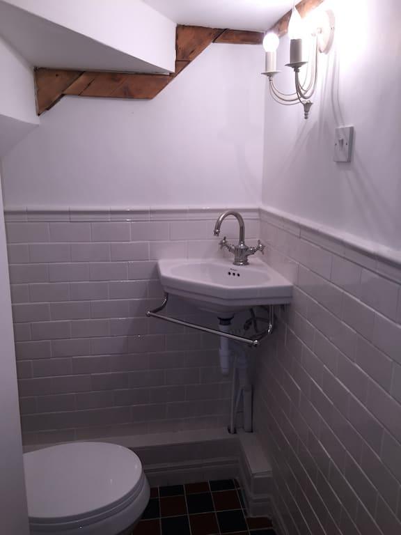 Lavabo Banheiro Embaixo da Escada 132 Fotos e Ideias  Total Construo