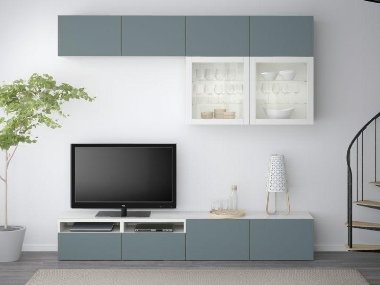 Plan 28 è una parete attrezzata moderna con vetrinetta, mensole, pensili,. Parete Attrezzata Ikea Moderna Classica E Prezzi 2020