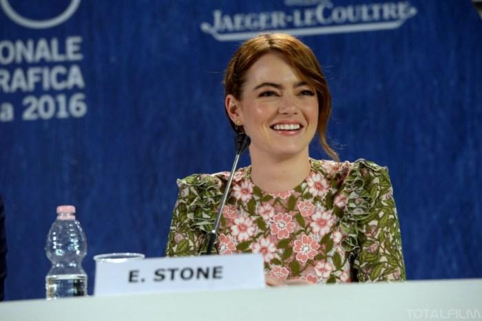 Emma Stone na tiskové konferenci v Benátkách (foto: Totalfilm.cz)