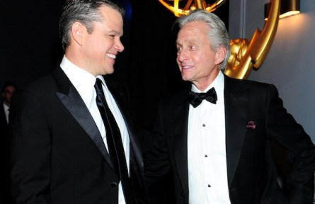 Matt Damon a Michael Douglas na udílení EMMY