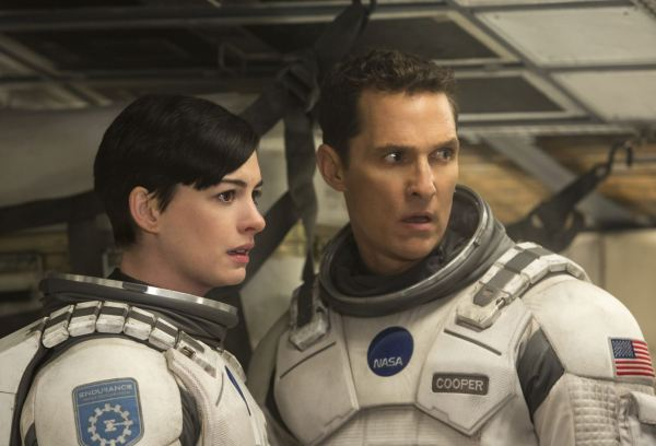 Anne Hathaway a Matthew McConaughey - Interstellar