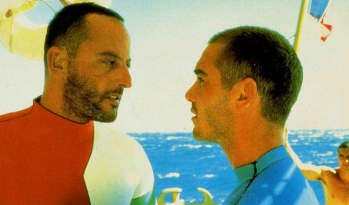 Jean Reno a Jean-Marc Baar ve filmu Magická hlubina (1988)