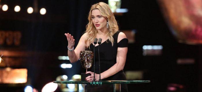 Kate Winslet má cenu za film Steve Jobs