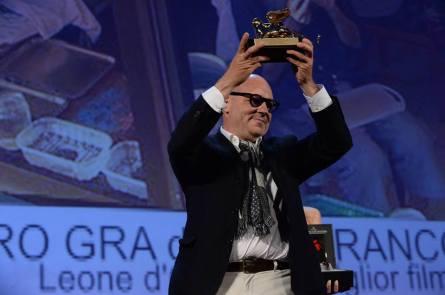 Sacra Gra (režisér G. Rossi přebírá cenu)