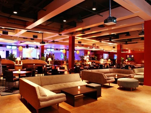 Join the Happy Hour at Lucky Strike in Washington DC DC 20001