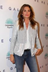"""LOS ANGELES - OCT 23: Cindy Crawford at the De Re Gallery & Casamigos Host The Opening Brian Bowen Smith's """"Wildlife"""" Show at De Re Gallery on October 23, 2014 in West Hollywood, CA"""