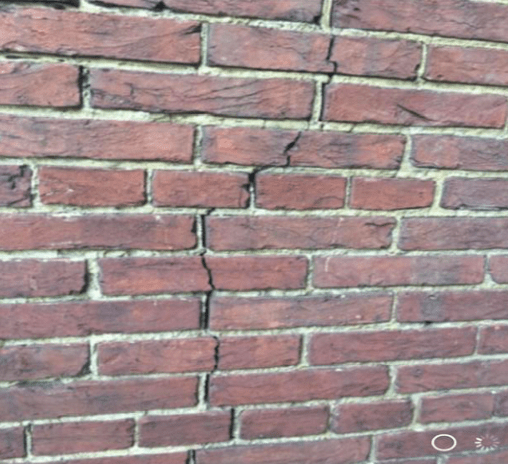 Large Vertical Cracks - Total Restoration Services