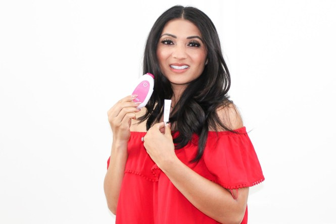 Debbie Savage of To Thine Own Style Be True Reviews PMD Kiss Lip Plumping System