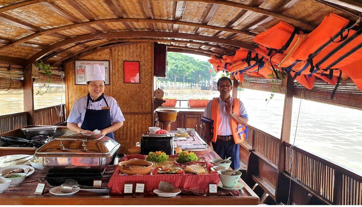 Buffett breakfast onboard the Mekong Princess