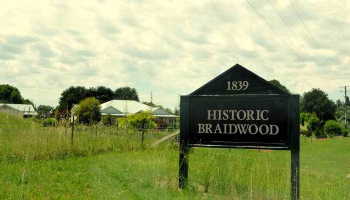 Entrance to Historic Braidwood