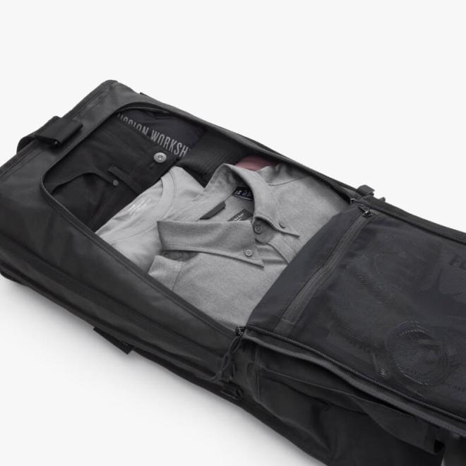 Mission Workshop Radian Travel Pack Flat Zipper Access