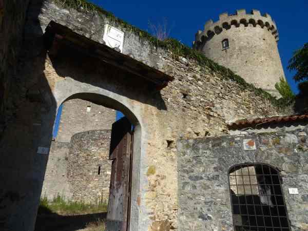 Castelnuovo Cilento - Torre Medievale con Castello -