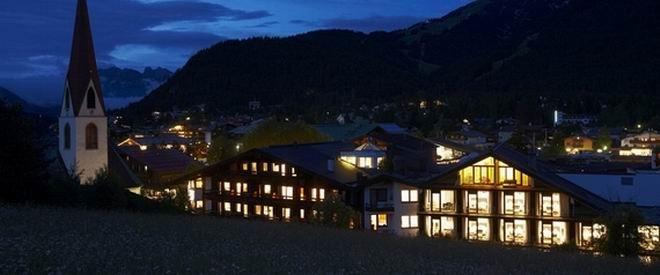 Nachtaufnahme Hotel