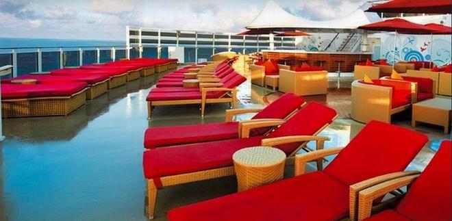 Relaxebereich an Deck