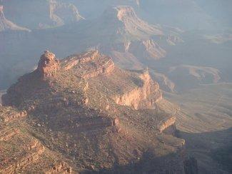 Spektakulärer Sonnenaufgang im Grand Canyon Tal