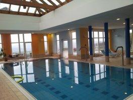 7 Pool im Familienhotel Hochwald