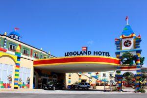Allein der Anblick bei der Anfahrt dürfte Kinder jubeln lassen © LEGOLAND® Hotel