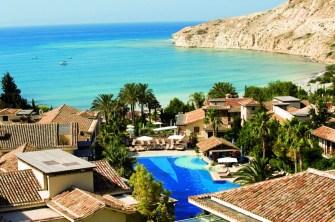 Columbia_Beach_Resort