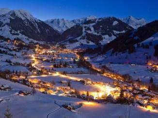 Gstaad_bei_Nacht