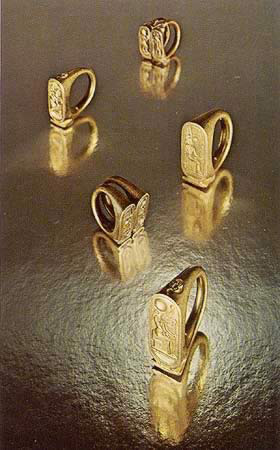 Tut Exhibit  King Tutankhamun Exhibit Collection Jewelry  Five Gold Rings representing King