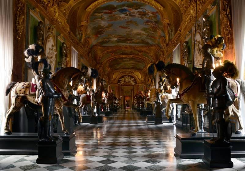 Salotti dItalia alla scoperta di piazza Castello a Torino
