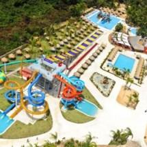 Ministro de Turismo inaugura parque acuático en el hotel Sirenis en Uvero Alto, Punta Cana