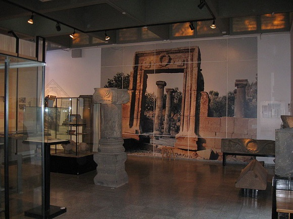 Golan Archaeological Museum (photo by ____)