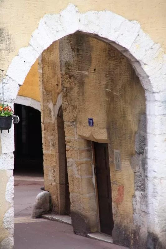 porte perrière à Annecy
