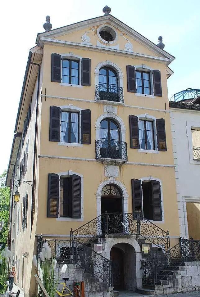 façade de l'ancien hôtel de ville d'Annecy