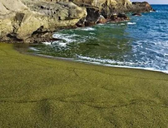 papakolea beach green sand