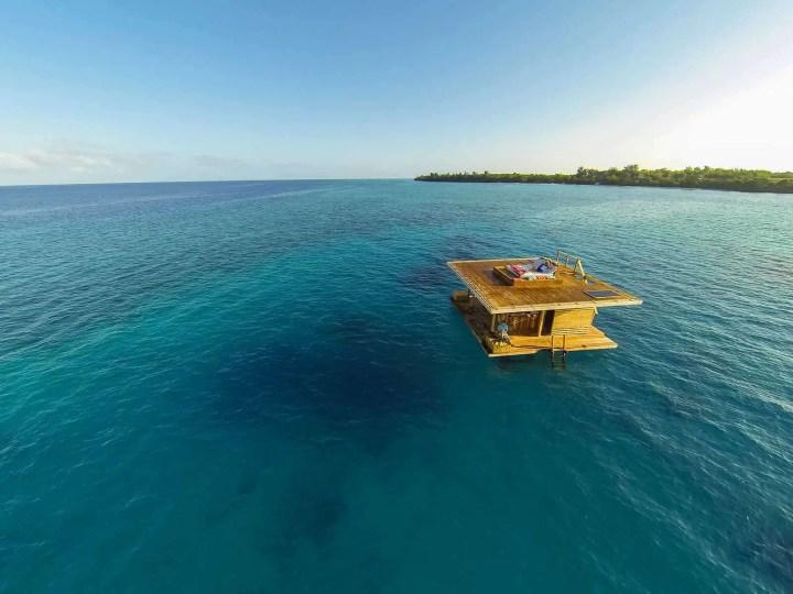 floating-house Manta resort