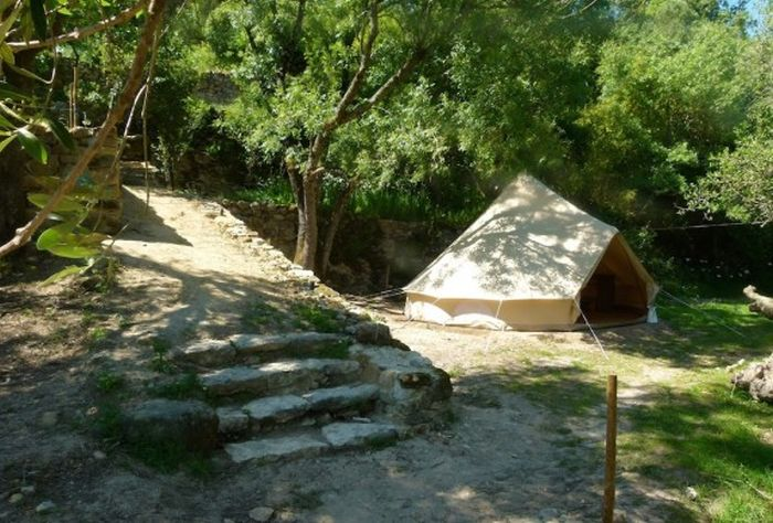 cascais-oasis-glamping-portugal-bell-tent-1-574x389