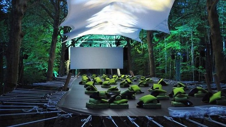 Treetop screening cinema, Paris, France 2