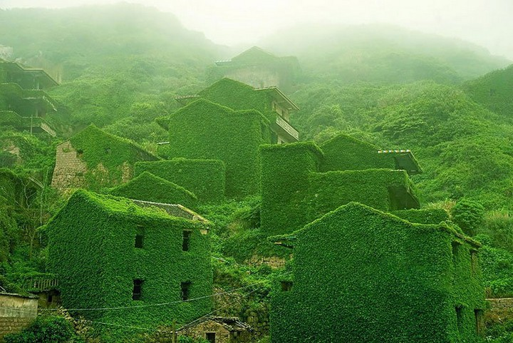 abandoned-village-in-chia-overtaken-by-nature-China