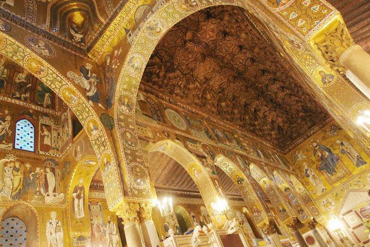 Particolare del soffitto della cappella palatina all'interno del palazzo dei Normanni di Palermo