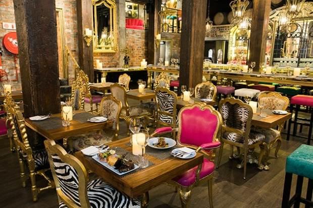 Vivaldi Restaurant interior decor