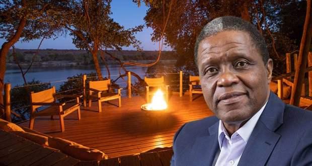 Vusi Khanyile with Isibindi Africa Lodge's Tsowa Safari Island in background