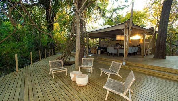 Tsowa Safari Island lodge deck