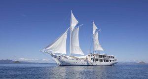 Ayana liveaboard boat