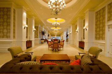 The grandiose Boardwalk Hotel Convention Centre foyer