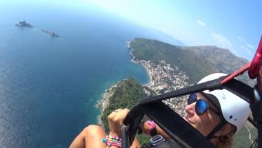 Veri nice fly in paragliding Montenegro