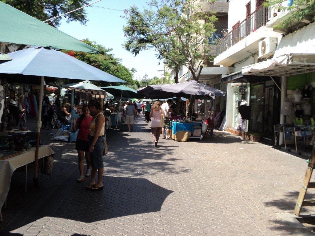 Nachalat Binyamin Street Market. Credit: Tourist Israel