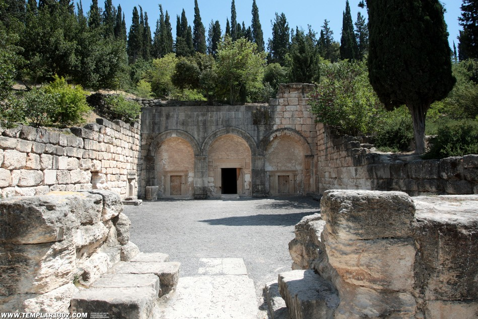 Outside the impressive burial tombs at Beit Shearim. Image Templar 1307, via Flickr
