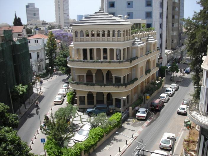 TelAviv Pagoda House (Yoav Lerman)