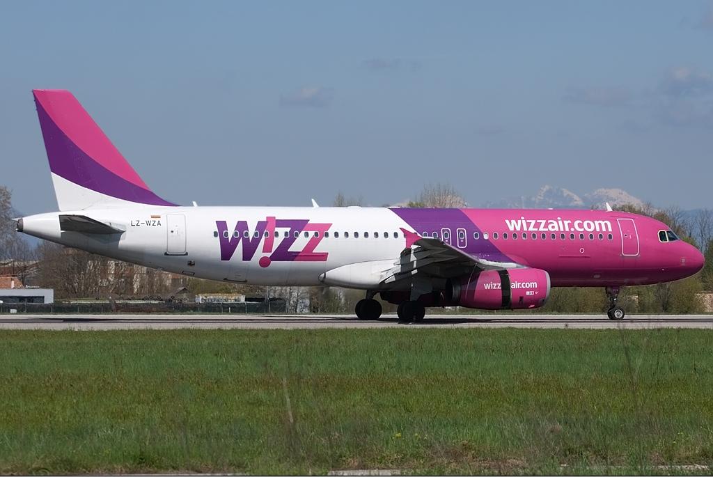 Wizz_Air_Bulgaria_Airbus_A320_Berni